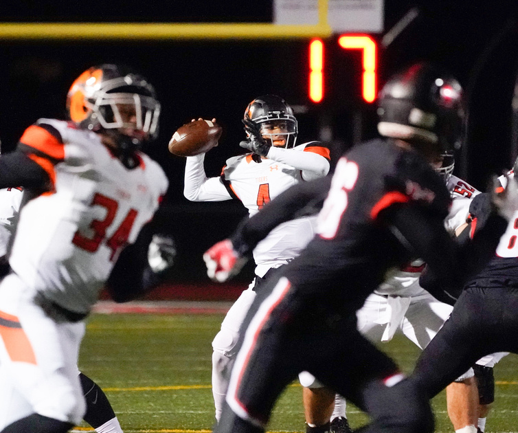 Edwardsville Vs Huntley 8A playoff football