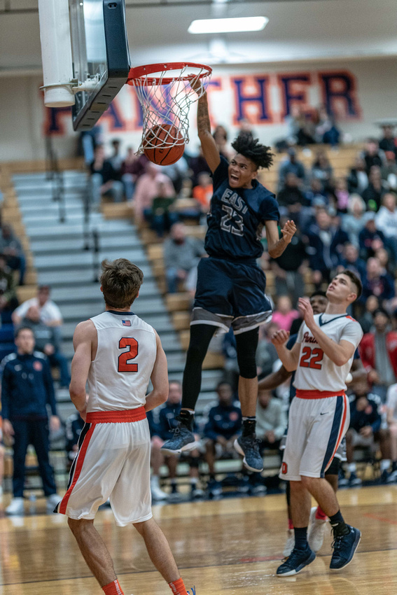 OLE.122718.SPORTS.Oswego East/Oswego boys basketball