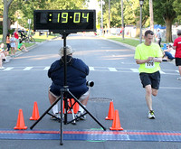 5K Finish line photos 0 - 20 minutes (2016)