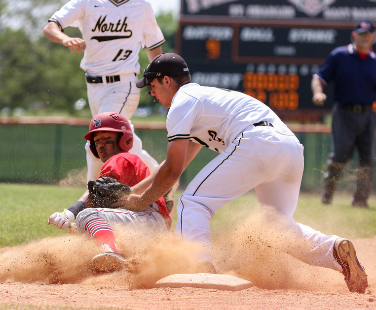 South Elgin vs Glenbard North in Sectional Baseball