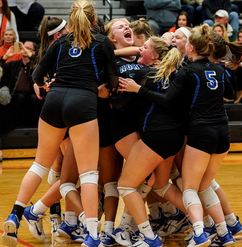St.Charles North Vs. St.Charles East Class 4A Volleyball  Sectional Championship
